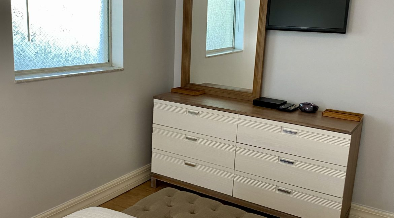 1209 E New Haven 205 bedroom 3