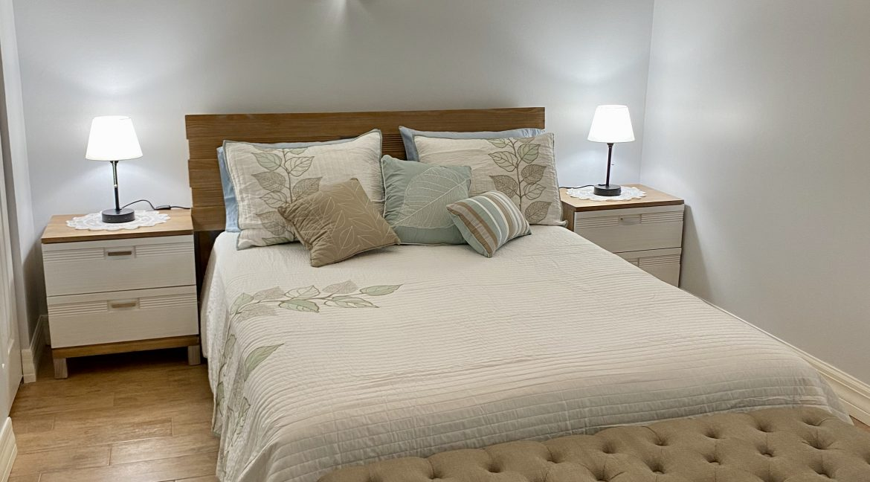 1209 E New Haven 205 bedroom 5