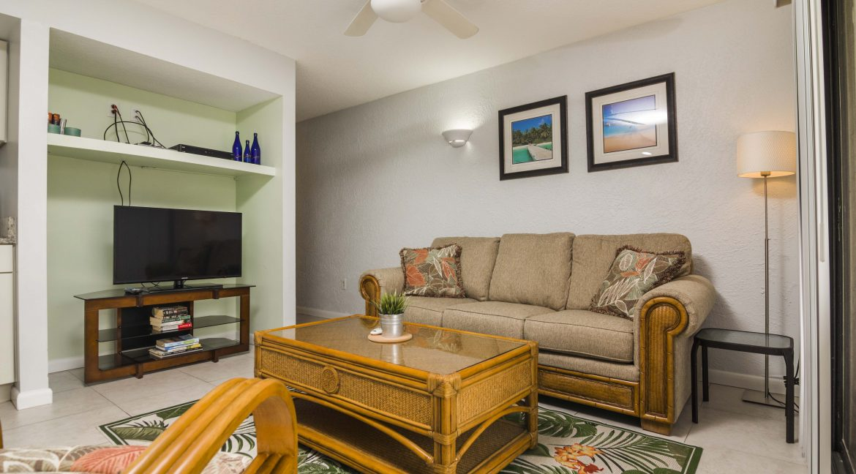 1209 E New Haven Ave 102 livingroom 3