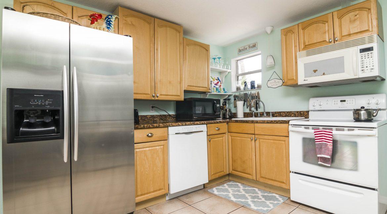 Seabreeze unit 3 kitchen