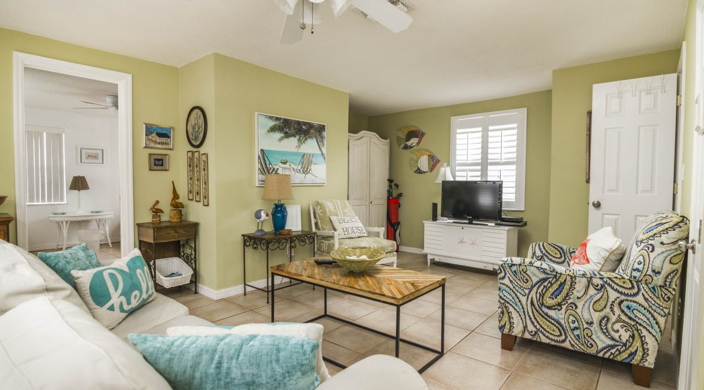 Seabreeze unit 3 livingroom
