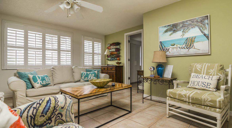 Seabreeze unit 3 livingroom 2